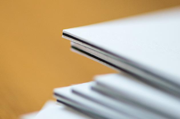 Visitenkarte manuele, Papiereinschluss