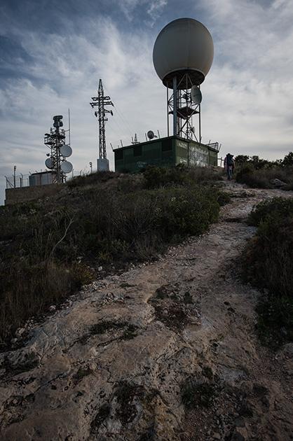 Das Centro Meteorologico auf dem Berg von Cullera in Valencia, Spanien. Nikon D810 20mm/1.8