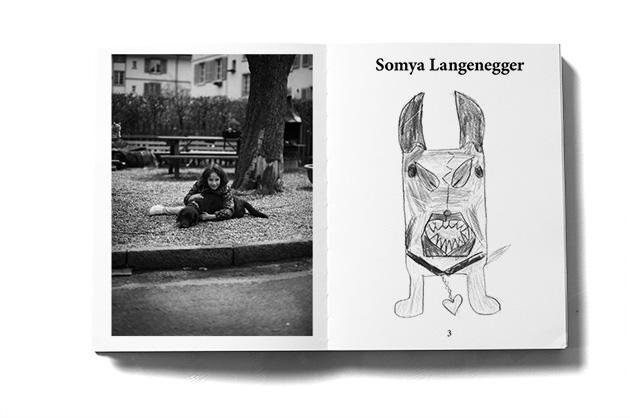 Murifeldbuch, Auszug einer Doppelseite aus dem Teil mit den Buchbeiträgen. Mädchen mit Zeichnung.