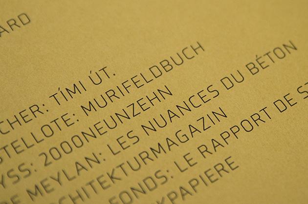 Bildausschnitt der Rückseite des Jahresberichts mit dem Murifeldbuch als Showcase