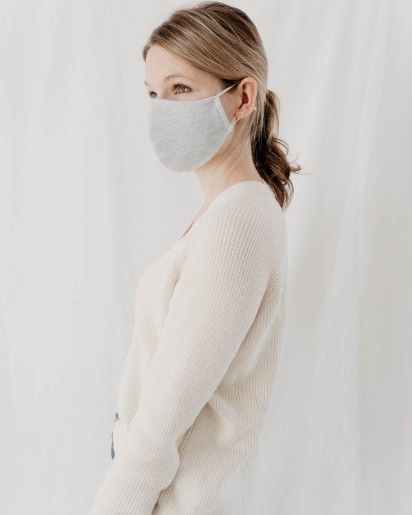 Maske aus Baumwolle für Frauen Kinder in Hellgrau