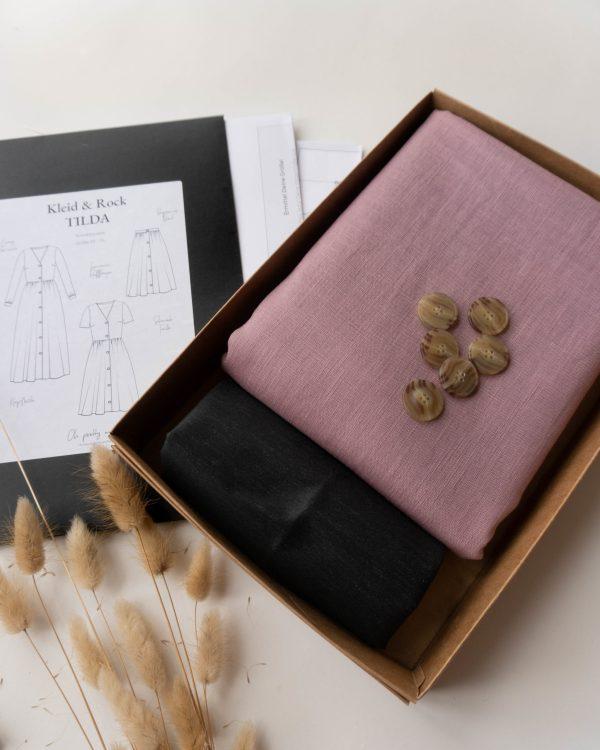 nachhaltiges DIY Naehset Naehkit Leinenstoff Mauve Naehkit Naehbox E Book Schnittmuster Langes Kleid Rock scaled