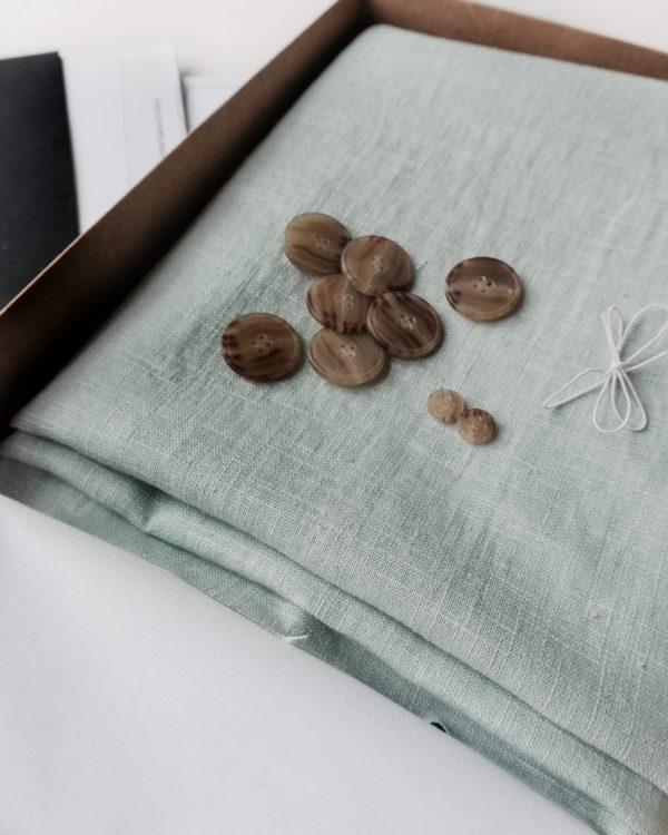 nachhaltiges DIY Naehset Naehkit Leinenstoff Mint Naehkit Naehbox E Book Schnittmuster Langes Kleid Rock 2 scaled