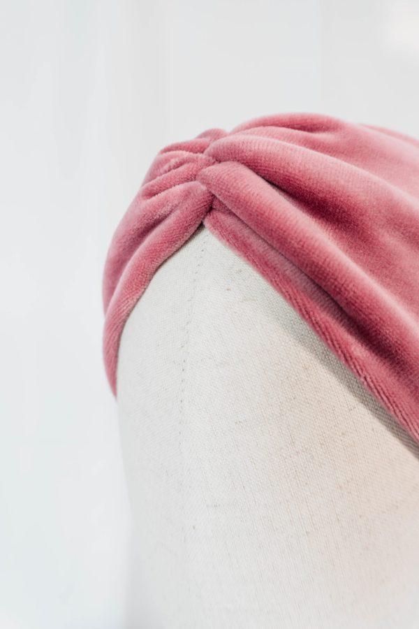 Nachhaltiges Stirnband RUFFLE Berry Biobaumwolle handgefertigt in Deutschland Nicky Rosa 15 scaled <ul> <li>Handgefertigt in Deutschland</li> <li>100% Baumwolle (Bio)</li> <li>vegan</li> </ul>