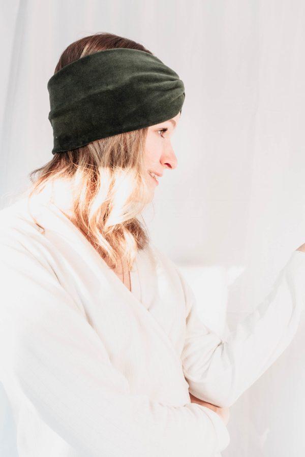 Nachhaltiges Stirnband RUFFLE Green Biobaumwolle handgefertigt in Deutschland Nicki Gruen 5 scaled <ul> <li>Handgefertigt in Deutschland</li> <li>100% Baumwolle (Bio)</li> <li>vegan</li> </ul>