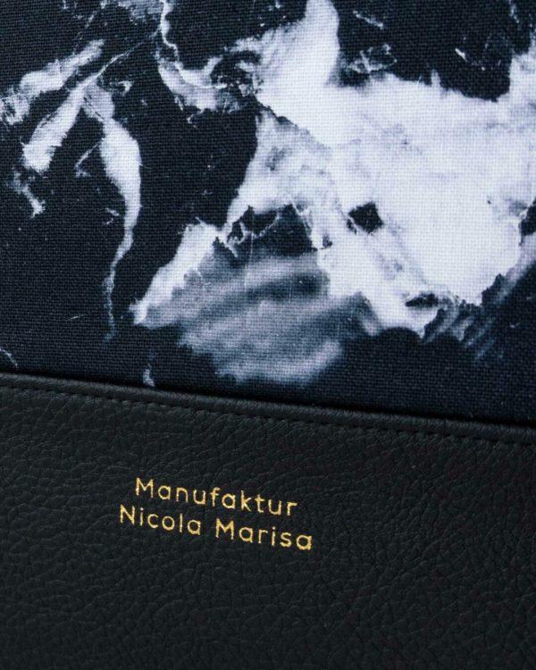 nachhaltige laptophuelle marble dark marmor gold handmade in germany 13 zoll 14 zoll 15 zoll manufaktur nicola marisa 4 Laptophülle MARBLE DARK