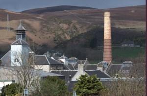 Manufakturen-Blog: die Destille Clynelish in Brora (Foto: Reisekultouren)