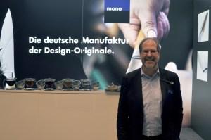 Manufakturen-Blog: Wilhelm Seibel, der Mann mit dem Mono-Löffel als Namensschild am Revers (Foto: Wigmar Bressel)