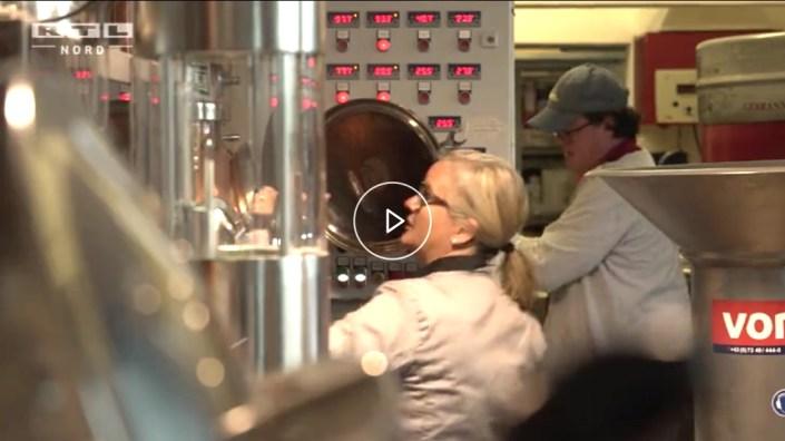 Manufakturen-Blog: RTL Nord zu Besuch bei der Spirituosen-Brennerin BR Birgitta Rust Schulze van Loon in der Bremer Überseestadt (Screenshot von: RTL Nord)