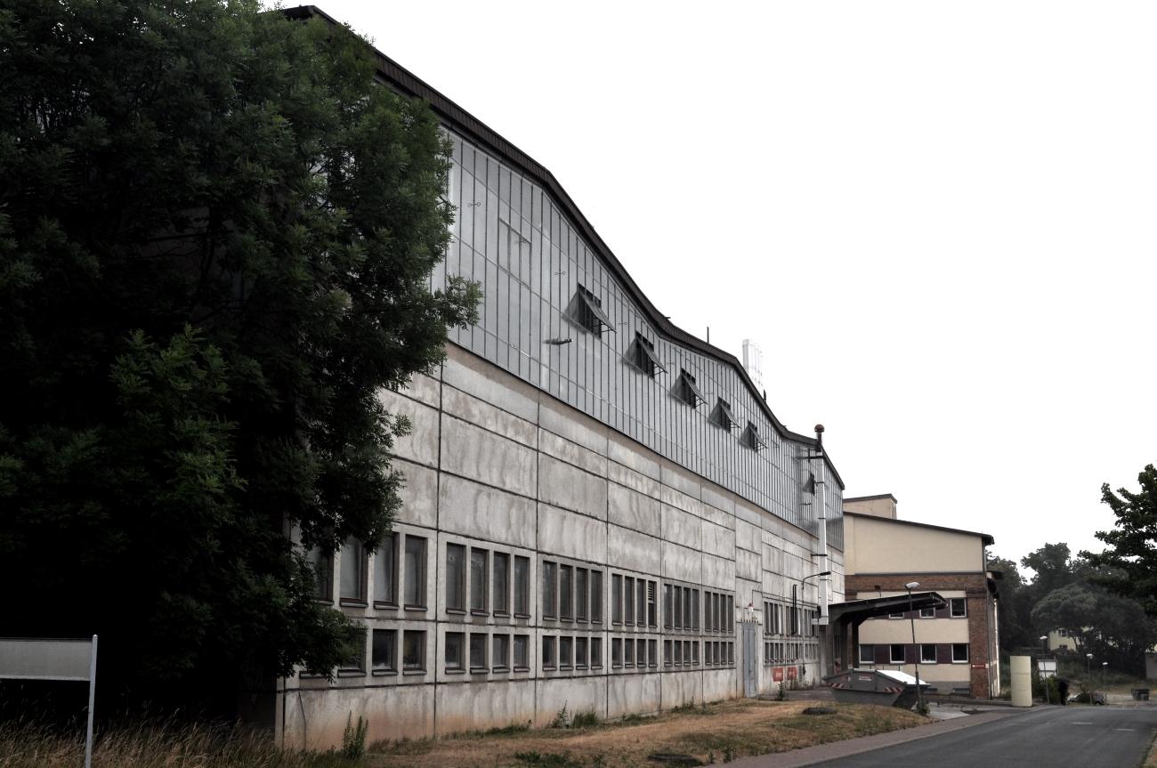 Manufakturen-Blog: Neubau aus der DDR-Zeit für Weimar-Porzellan in der Frontsicht (Foto: Wigmar Bressel)