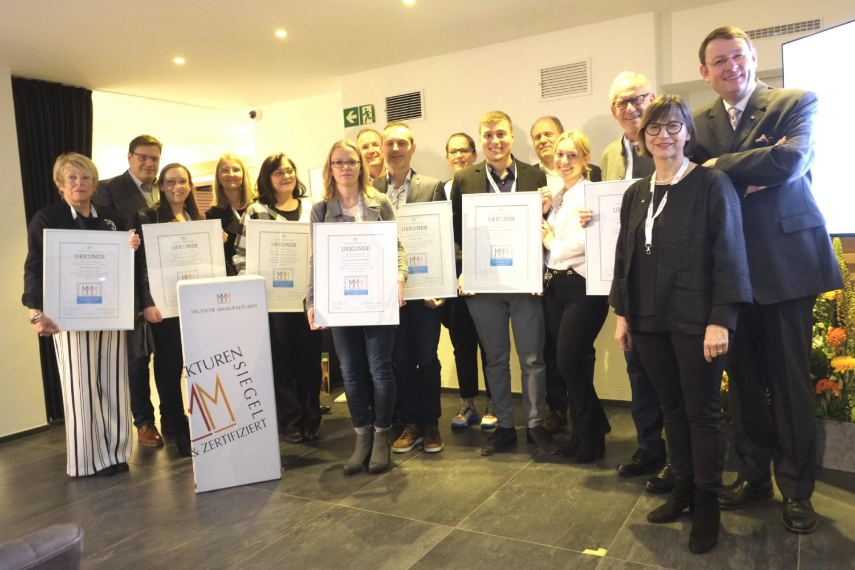 Manufakturen-Blog: Die anwesenden Preisträger gemeinsam nach der Preisverleihung in Kappelrodeck in der Scheibel-Mühle (Foto: Martin Specht)