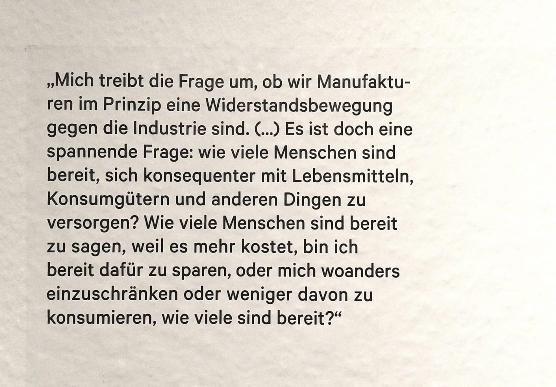 Manufakturen-Blog: Zitat Wigmar Bressel, Vorsitzender des Verbandes Deutsche Manufakturen e. V. (Foto eines Wand-Tattoos von Julia Francesca Meuter: Wigmar Bressel)