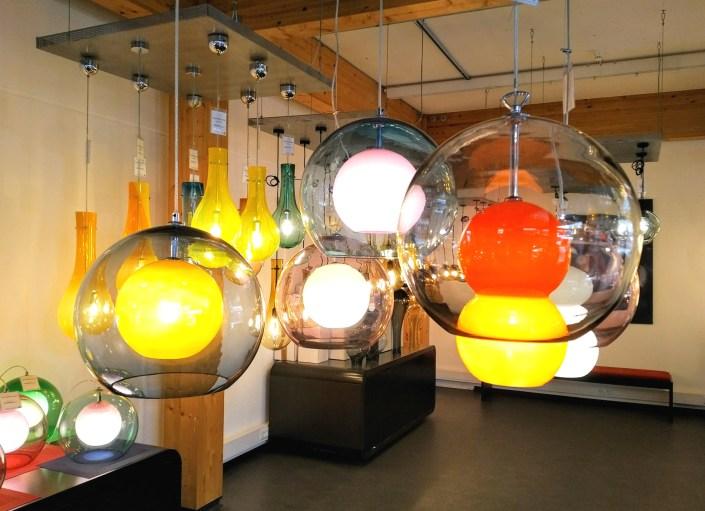 Manufakturen-Blog: Eine kleine Auswahl an Leuchten aus der Glasmanufaktur Harzkristall in Derenburg (Foto: Wigmar Bressel)