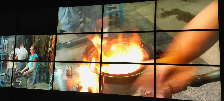 Manufakturen-Blog: Bildschirminstallation im Musée Lalique - in der Gießerei (Foto: Wigmar Bressel)