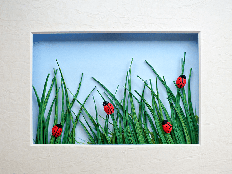 Quilled Ladybugs in the Grass with Tutorial