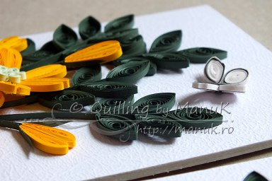 Simple Quilled Flower Arrangement in Yellow - Detail