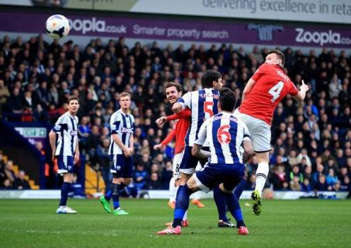 Jones scores the first against West Brom (8 Mar)
