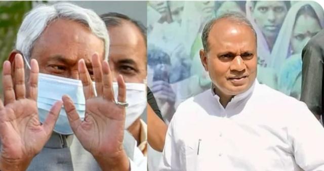 नीतीश कुमार ने जेडीयू अध्यक्ष पद छोड़ा