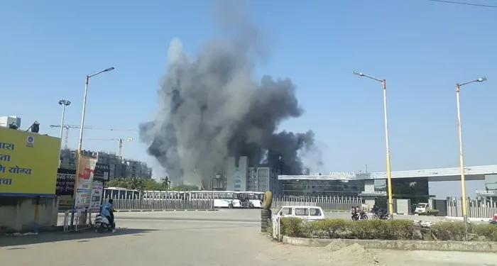 सीरम इंस्टीट्यूट की बिल्डिंग में आग से पांच की मौत