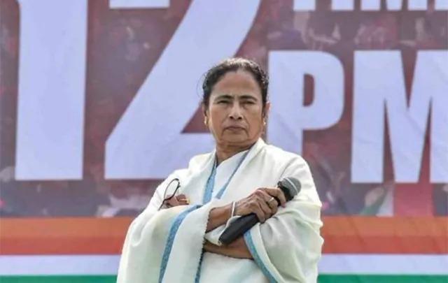 ममता बनर्जी गुजरात चुनाव में लेंगी बंगाल का बदला, राष्ट्रीय राजनीति में बढ़ायेंगी सक्रियता