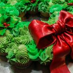 Stunning Cupcake Wreath… Wow your guests!