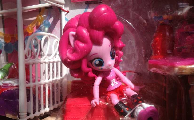My Little Pony: Equestria Girls Minis - Pinkie Pie Slumber Party Bedroom Set review