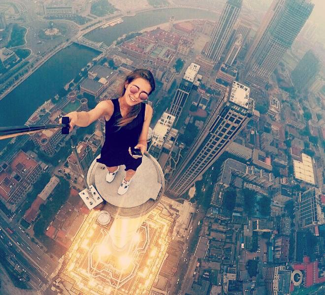 Extreme Selfies Angela Nikolau