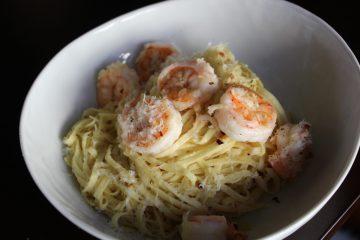 Garlic shrimp and pasta