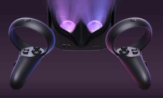 Oculus Quest lens and controllers