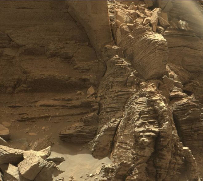 "This view from the Mast Camera (Mastcam) on NASA's Curiosity Mars rover shows an outcrop with finely layered rocks within the ""Murray Buttes"" region on lower Mount Sharp. (NASA/JPL-Caltech/MSSS)"