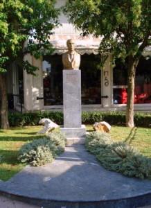 lambrakis-monument