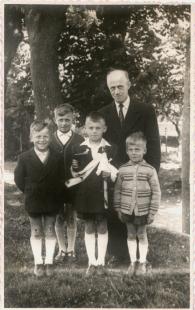 Siebert Jan - Jan Siebert z synami. Od lewej - Andrzej, Jan, Michał i Benedykt