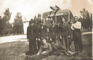 OSP w Łebie, pierwszy z lewej – Konstanty Michalak (Konstanty i Władysława Michalakowie)