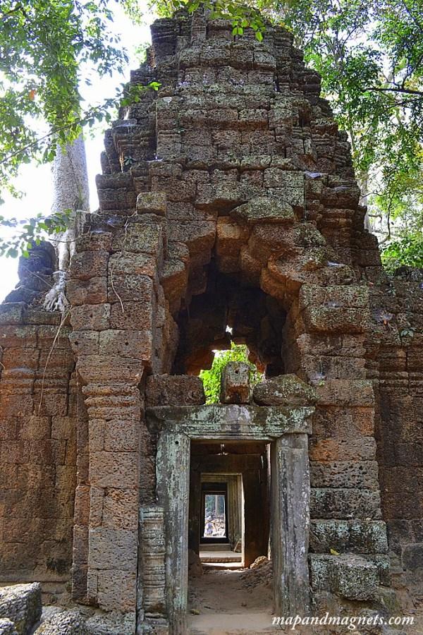 Angkor Wat small temples