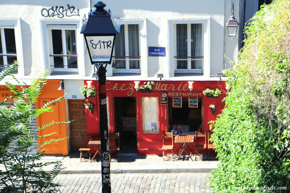 montmartre-cafe-in-paris