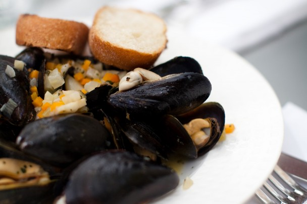 Petit Pois Mussels