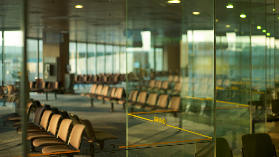 Three Good Reasons To Skip the Airport Lounge via @maphappy