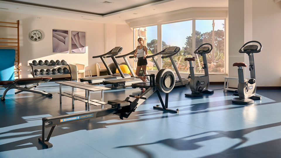The Hotel Gym May Be The Best Source for Free Bottled Water via @maphappy