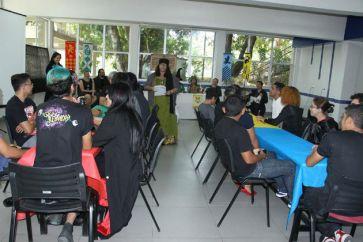 Apresentaçao das tarefas do Torneio Relíquias do TCC pela professora Sybil Trelawney - Cristiane Barbosa