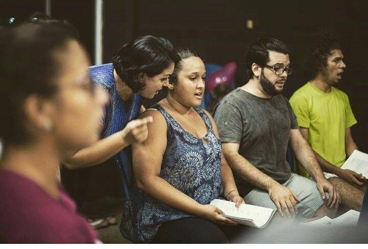 Montagem de musical da Broadway estreia em Manaus