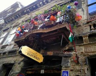 where-the-foodies-go-budapest-szimpla-2