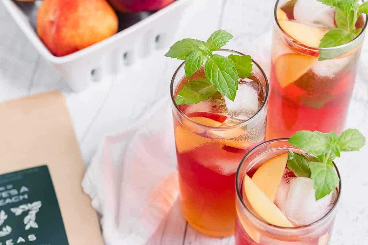 Summer Peach Tea Cocktail
