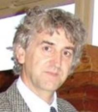 M. Juan-Luis ARSUAGA Departamento de Paleontología Facultad de Ciencias Geológicas Ciudad Universitaria s/n 28040 Madrid, Espagne. Centro de Evolución y Comportamiento Humanos- Universidad Complutense de Madrid-Instituto de Salud Carlos III
