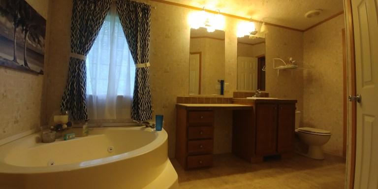 Soaking tub in master bath