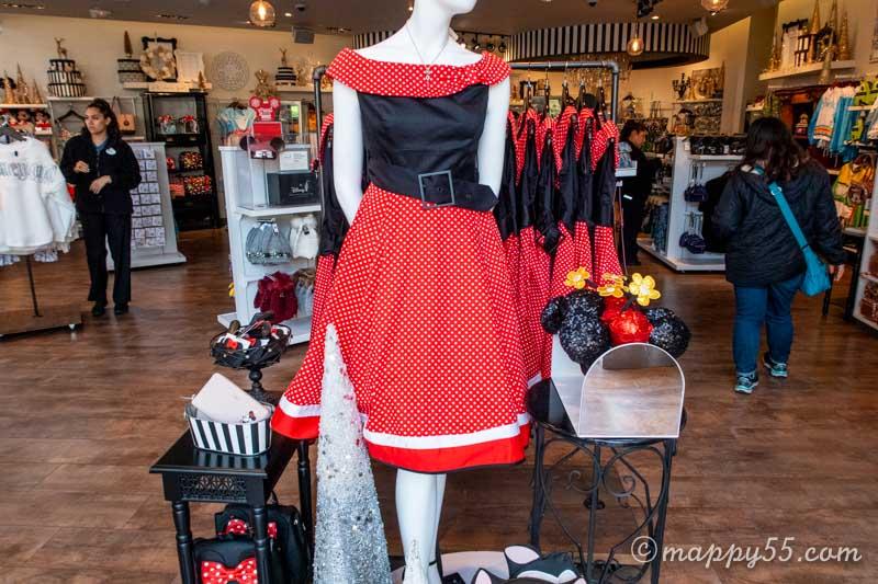 ダウンタウンディズニーにあるドレスショップ