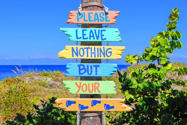 what to do in Sarasota, Florida - beach sign