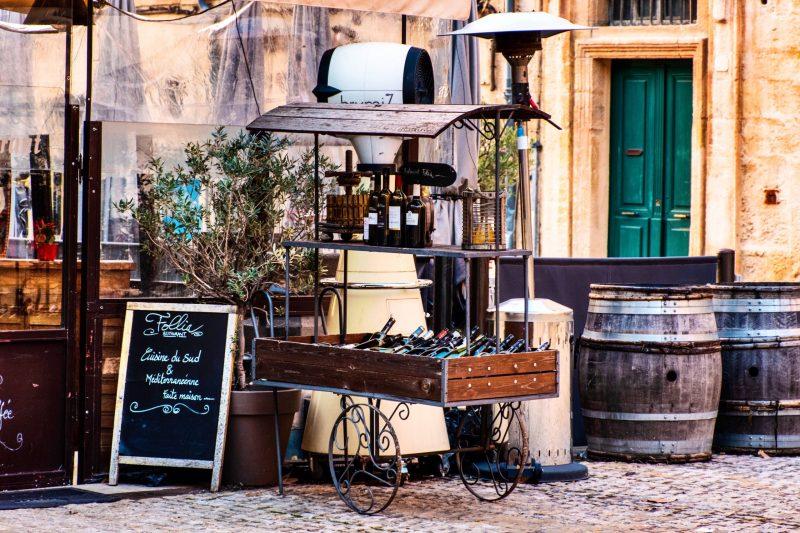 Paris bucket list - drinking wine