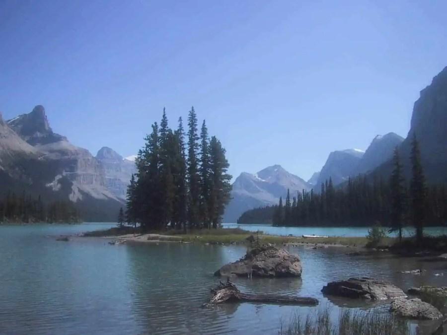Jasper-Malign-Lake-Spirit-Island-Chris-Christensen Amateur Traveler