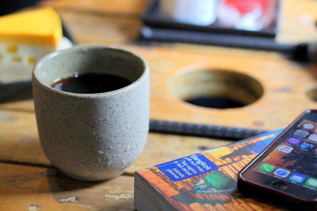 Akha Ama Coffee, Chiang Mai - Canon 50mm