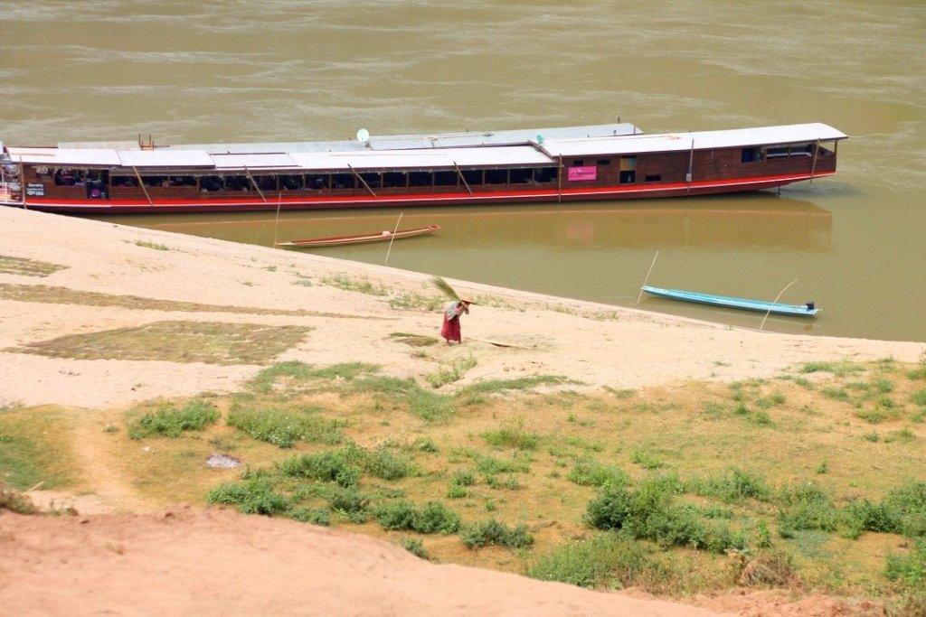 Mekong Smile Cruise, Laos